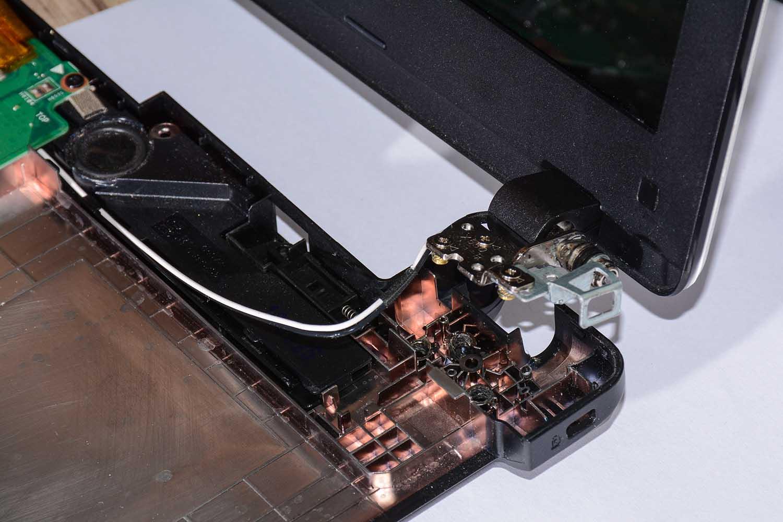 چگونگی تعمیر لولای لپ تاپ در نمایندگی ایسوس کرج